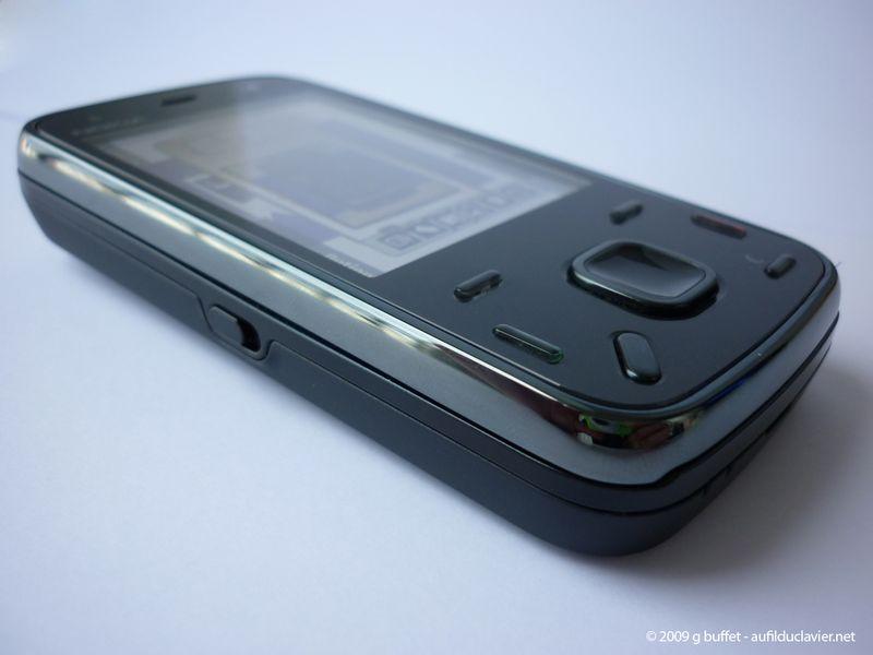 Nokia_n86-face