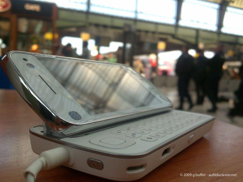 Nokia_n97_open