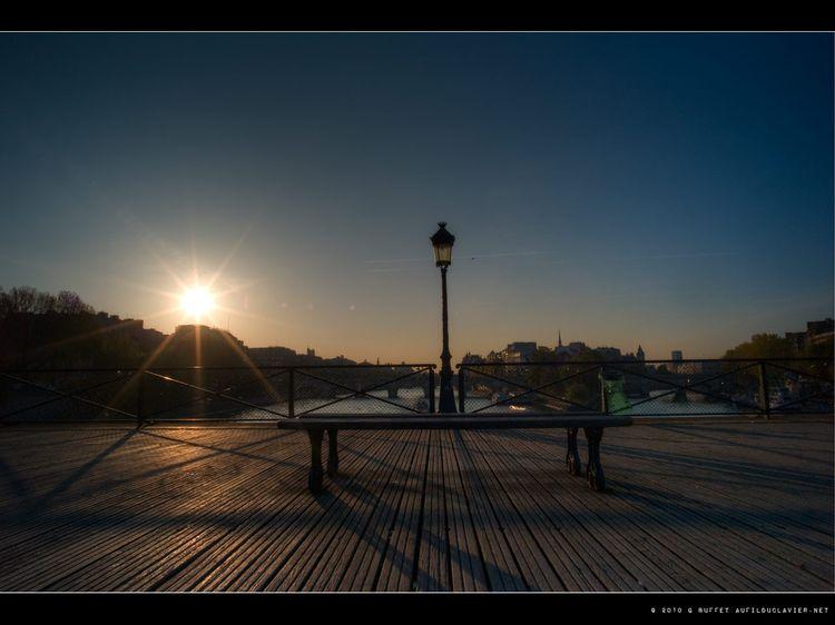 Fe-pont-des-arts-printemps