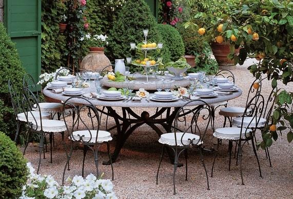 Ma table de jardin en pierre la d co d cod e for 6 jardin guillaume bouzignac