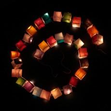 Créer l\'ambiance grâce à la plus jolie des guirlandes lumineuses ...