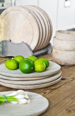 Hk-living-set-de-2-assiettes-en-bois-naturel-2