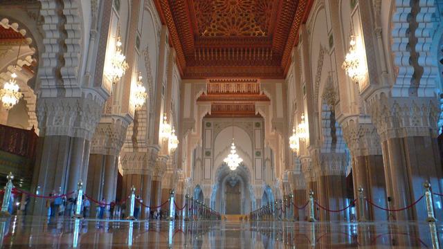 Casablanca mosqu e hassan ii salle de pri re for Mosquee hassan 2 interieur